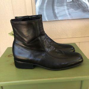Stuart McGuire Men's Ankle Boots 🥾